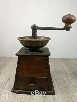19th Century Iron, Brass, Wood lg. H. S. Garantire No. 0 Coffee Mill Grinder
