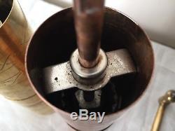 2 Molino de Cafe firma Zassenhaus Bronce, Cobre. Antique Coffee Grinder