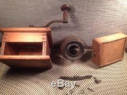 ANTIQUE VTG WOOD COFFEE GRINDER MILL CAST IRON HANDLE Square Nails Finger Joints