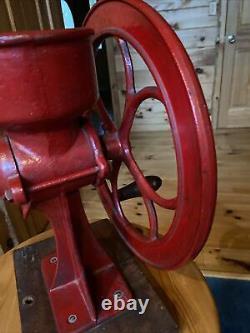 Antique C. S. Bell Co. Cast Iron Corn/Coffee Grinder Hillsboro USA Model #1 1/2