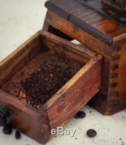 Antique Coffee Grinder Mill Moulin cafe Molinillo Macinacaffe Koffiemolen