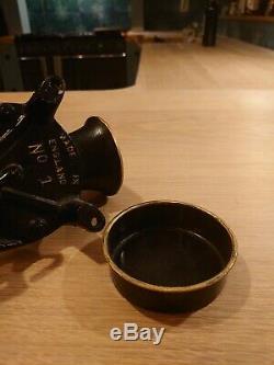 Antique Vintage Spong No. 1 Black Metal Coffee Grinder + Tray Excellent Con