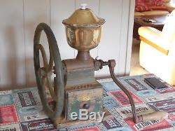 Fab. ANTIQUE FRENCH BISTRO BAR COFFEE GRINDER MILL PEUGEOT FRERES RARE C3 model