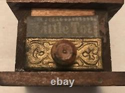 LITTLE TOT Miniature (Salesmans Sample) Vintage Coffee Grinder