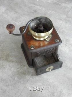 Primitive grinder mill Coffee wood antique old crank Kaffee moulin cafè wooden