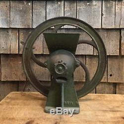 RARE Antique Primitive Cast Iron Corn Coffee Grinder Grist Mill No. #32 Country