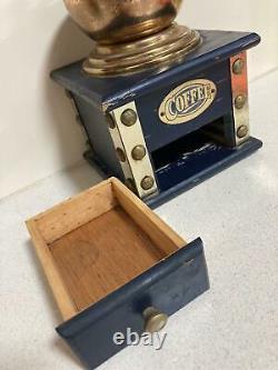 Rare Antique Kaffee Original Coffee Hand Crank Mill Grinder in Wood