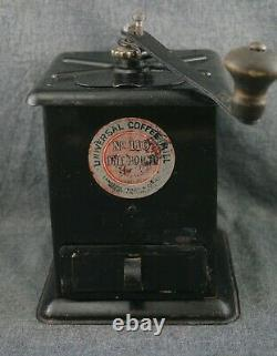 UNIVERSAL COFFEE MILL No. 110 ONE POUND Landers, Frary & Clark Pat. 1905