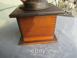 VINTAGE ORIGINAL 1880's SIMMONS HARDWARE CO. AUNT NANCY COFFEE MILL / BOX MILL