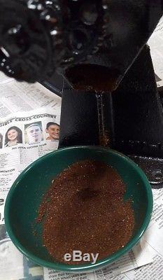 Vintage Antique Stover No 32 Corn Grain Coffee Grinder