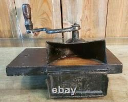 Vintage Coffee Mill Grinder P. S. &W. Co. Peck Stow Wilcox Cast Iron, Wood & Tin