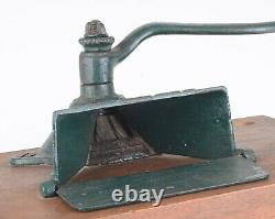 Vintage Favorite No 7 Cast Iron Wall Mounted Coffee Grinder/Mill